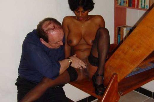 Kaamwali apne Malik ke Sath Sex Photos