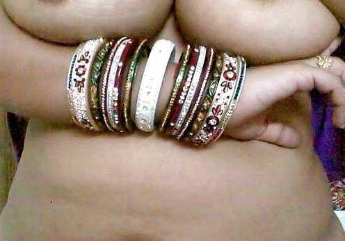 Rajasthani Aunty ke Big Boobs ki Pics