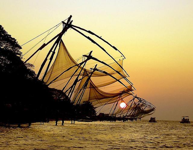 sunset chinese fishing nets cochin