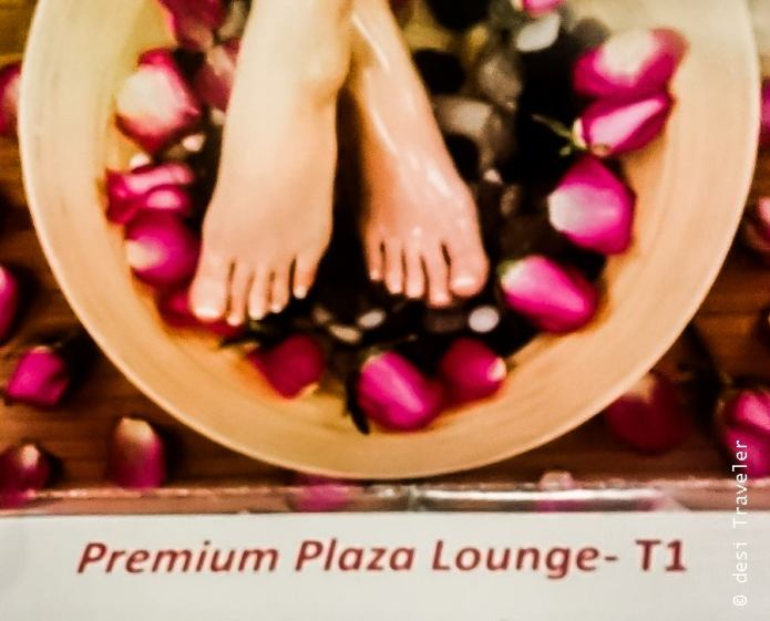 Plaza Premium Lounge services Changi Airport