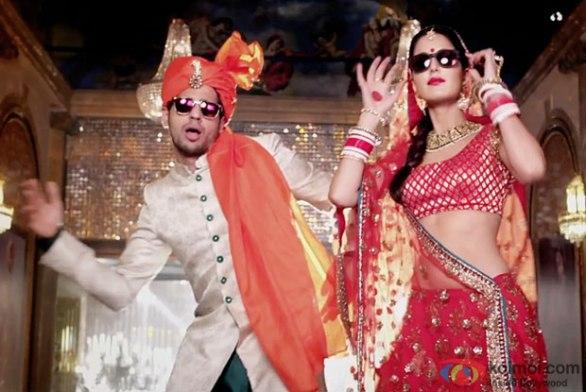 kala-chashma-song-from-baar-baar-dekho-ft-sidharth-malhotra-katrina-kaif-1