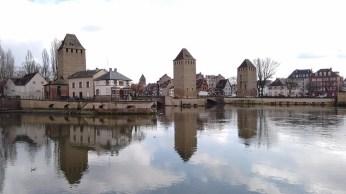 Petite France heeft veel bruggen