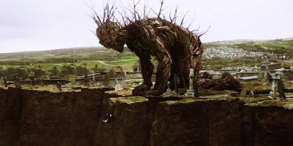 un-monstruo-viene-a-verme-y-no-queremos-que-se-vaya-del-genial-j-a-bayona-y-s-weaver-como-premio-donosti_landscape