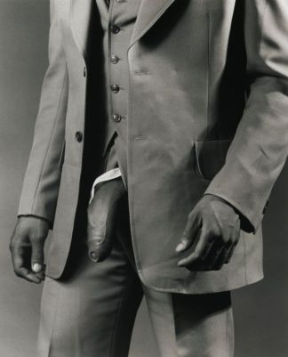 man-in-a-polyester-suit-by-robert-mapplethorpe-1980-1352372123_b