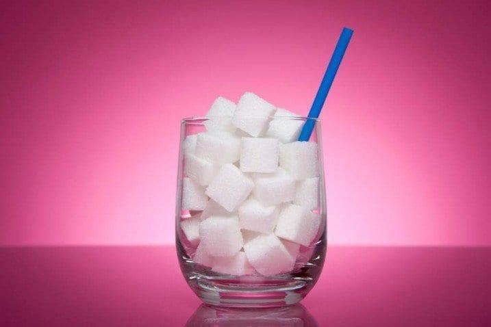 Efectos del azúcar en la salud, ocultos por 50 años