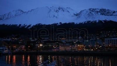 """59404a3d1f1e9 400x225 - Ushuaia anticipa la llegada del invierno con la """"Fiesta Nacional de la noche más larga"""" - Télam"""
