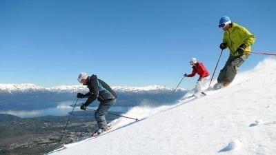5cf0014e37437 400x225 - La provincia presentó en Buenos Aires la oferta de sus cinco centros de esquí - Télam