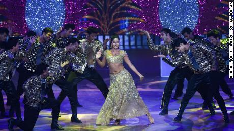 El coronavirus está aplastando a Bollywood de India, la industria cinematográfica más prolífica del mundo.