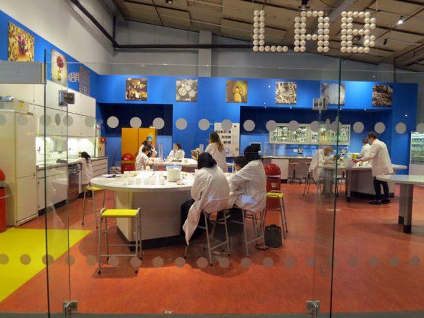 Nemo Museu de Ciência em Amsterdam