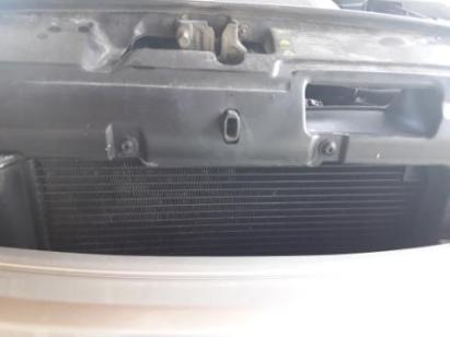 common-reasons-overheating-car-cracked-clogged-radiator