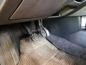 clutch-pedals-dual-mass-flywheel-replacement-despairrepair.com
