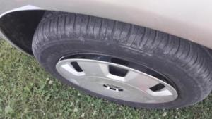separating-hubcap-from-wheel-rim