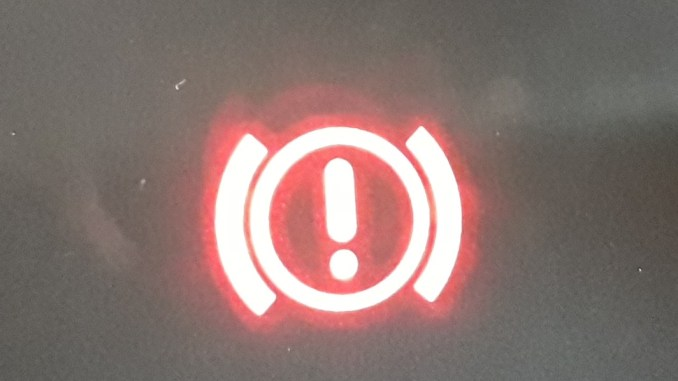 car-brakes-warning-light