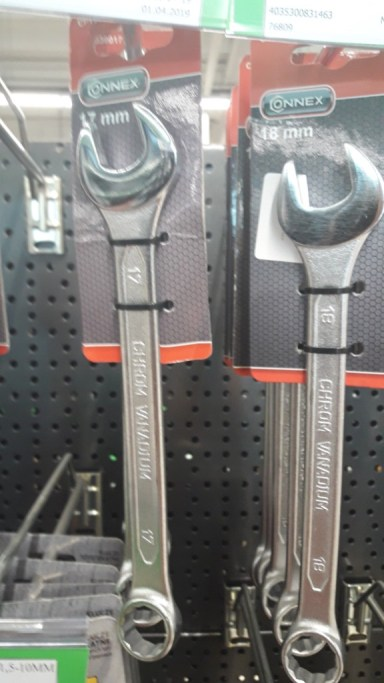 car-tools-wrenches