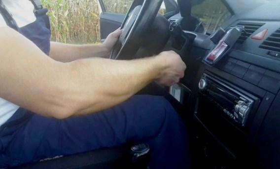 key-wont-turn-in-ignition-working-steering-wheel-around