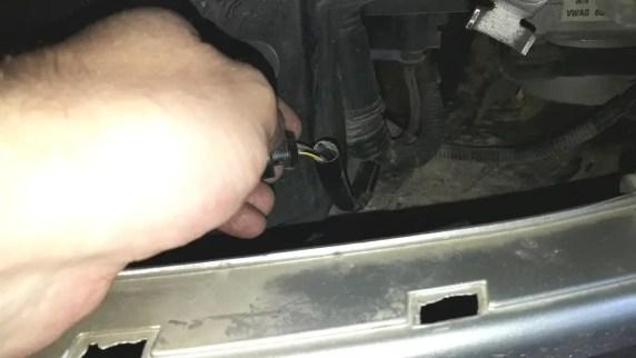 loose-broken-wire-connection