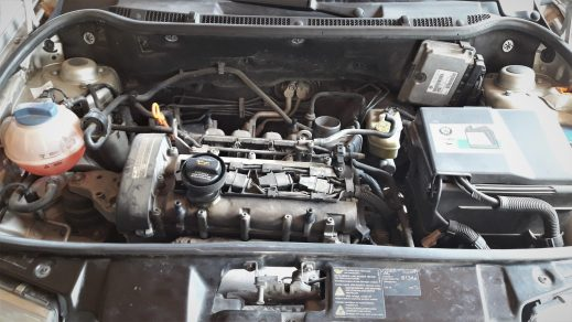 car-engine-without-cover