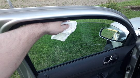 how-to-clean-car-interior-at-home-lower-windows-scaled