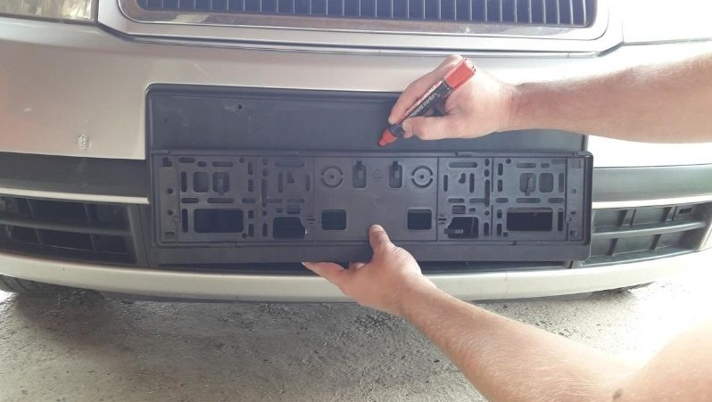 align-holes-bumper-license-plate-frame
