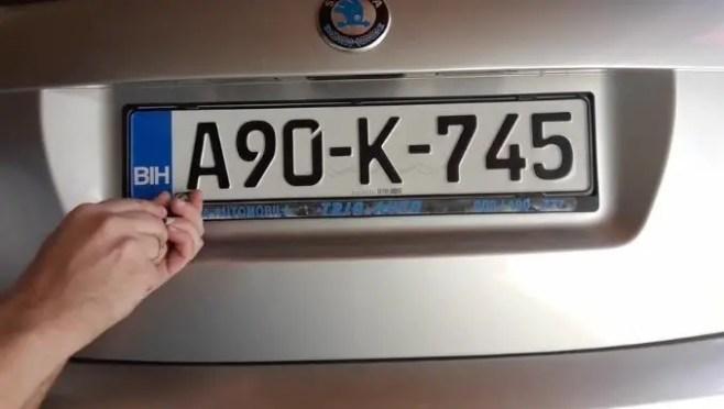 how-to-install-license-plate-frame-taking-off-plastic-padlocks