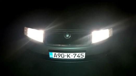 bad-driving-habits-not-lowering-high-beam-lights