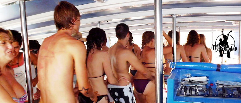 Fiesta en barco en Platja d'Aro