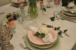 assiettes fleurs, ronds de serviette, lierre