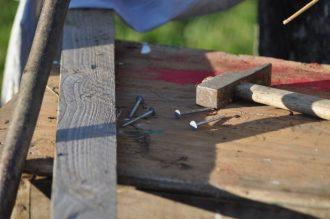 clous, marteau, bois