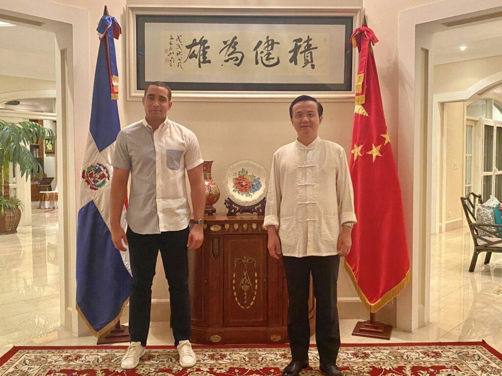 VICEMINISTRO JOSE JULIO GOMEZ ANUNCIA LLEGADA DE 768 MIL VACUNAS DESDE CHINA 1