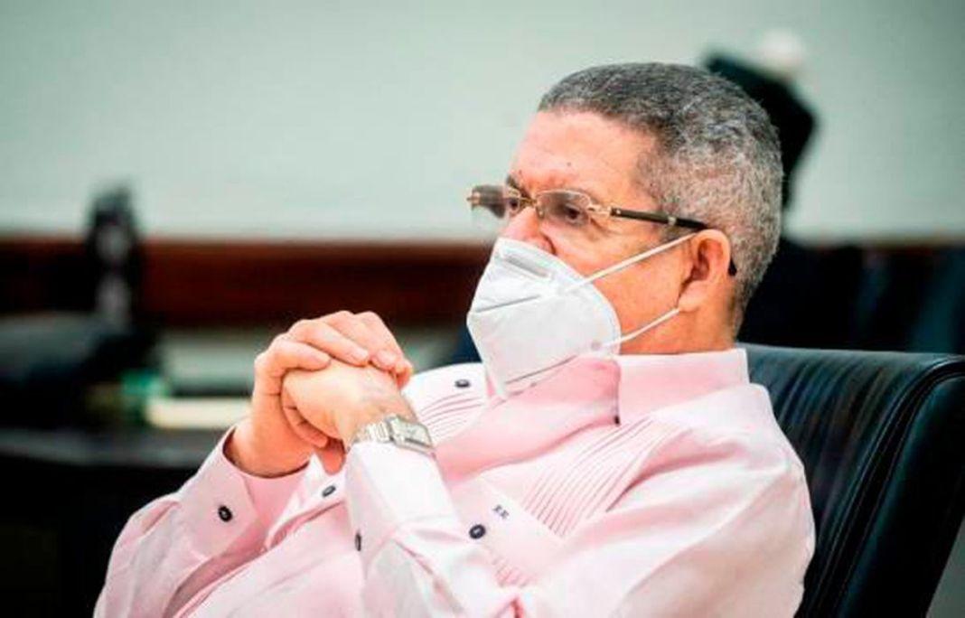 Juezas absuelven a exdirector de Inapa Roberto Rodríguez