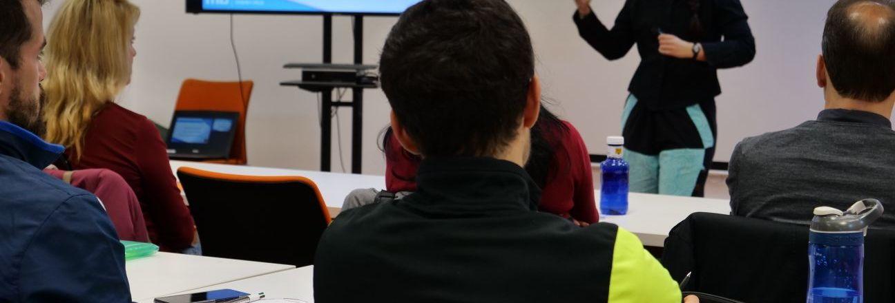 Nuestra charla sobre yoga en la academia MasterD – Blog Despierta y Entrena