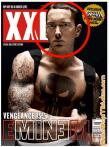 Eminem y unos ojos extraños.