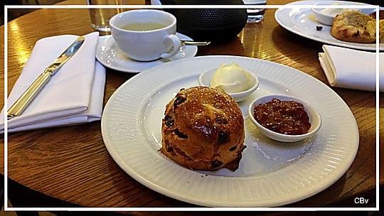 Scones et cream tea une tradition anglaise gourmande