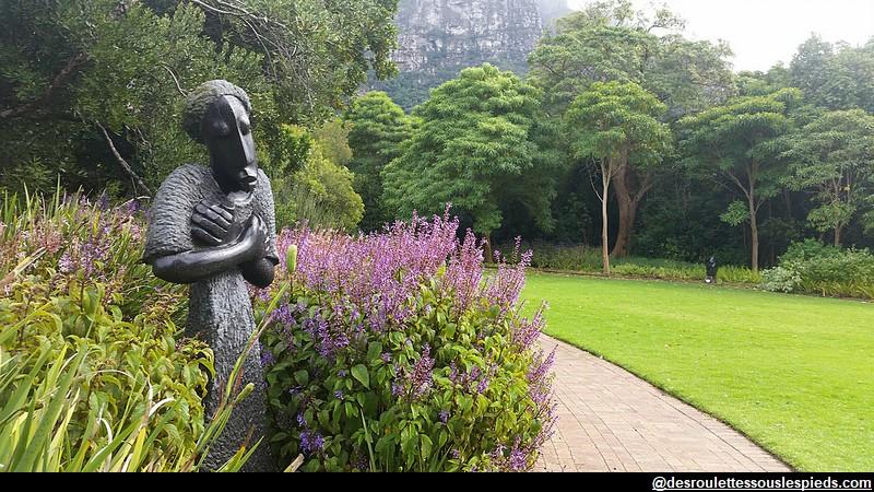 environs-du-cap-Kirstenbosch-Le-Cap-statue-africaine