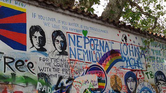 Mur John Lennon sur l'Ile Kampa