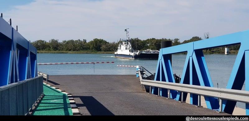 visiter la Camargue bac de barcarin