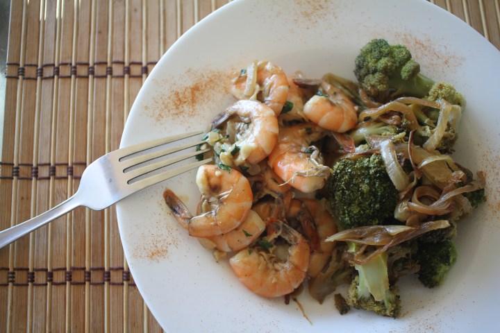 Easy Garlic & Parsley Shrimps / Crevettes à l'ail