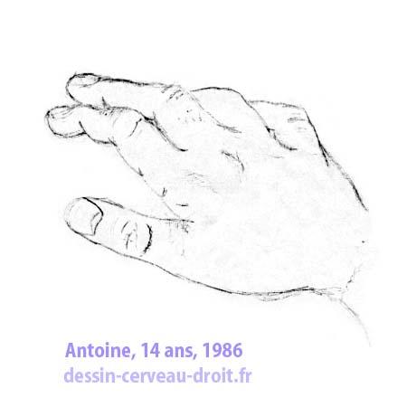 """Dessin de sa main par Antoine, au début du stage, avant de commencer d'appliquer la méthode… Une sorte de """"photo de départ."""