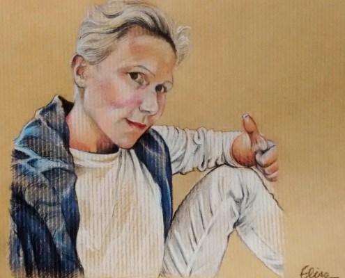 Portrait individuel : dessin d'après photo d'une femme