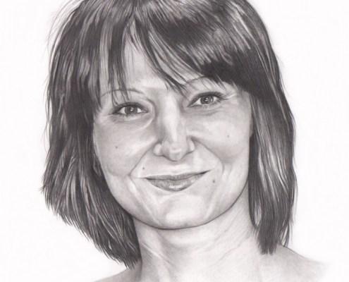 Portrait dessin d'après photo d'une femme brune aux cheveux courts en noir et blanc