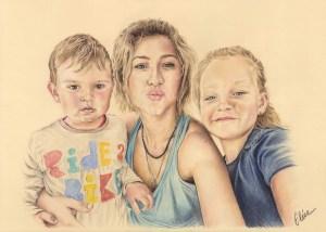 Portrait dessin d'après photo d'une mère avec ses deux petits enfants