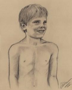 Portrait dessin d'après photo d'un petit garçon nu au charbon