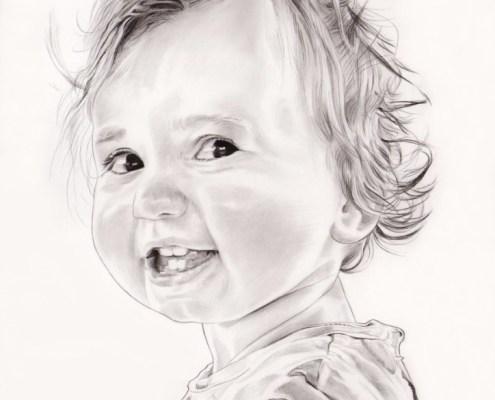 Portrait dessin en noir et blanc d'une petite fille souriante