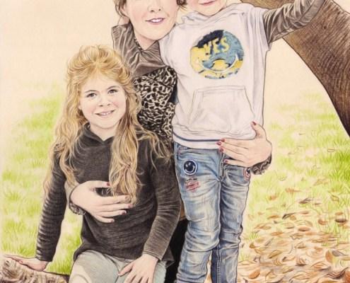 Portrait dessin d'une maman et ses deux enfants