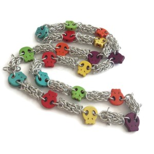 Skulls Chainmaille Necklace by Destai