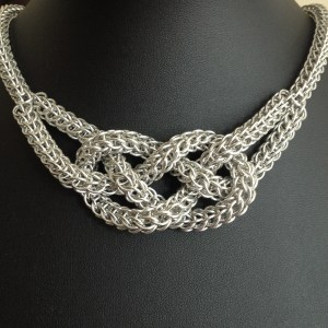 Sailors Knot Chainmaille Necklace by Destai