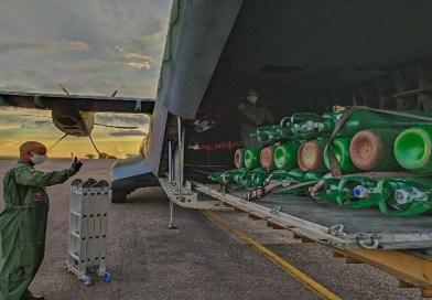 FAB leva cilindros de oxigênio de SP e de empresa fornecedora para Manaus