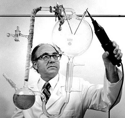 Chimistul Stanley Lloyd Miller, Foto: diogenesii.wordpress.com
