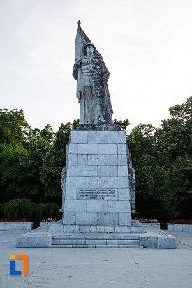 foto-cu-monumentul-ostasului-necunoscut-din-timisoara-judetul-timis.jpg