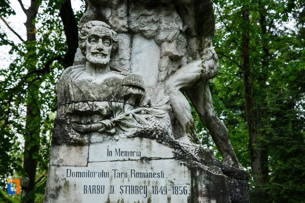 mesajul-de-pe-monumentul-lui-barbu-stirbei-din-ramnicu-valcea-judetul-valcea.jpg